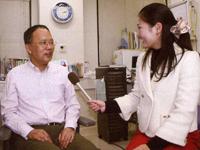 今年流行しているインフルエンザの傾向等について説明する南先生(左)と和田由紀健康リポーター