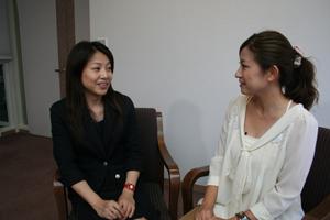 「未受診者への対策が必要」と話す早渕淳子主査と藏薗千尋レポーター
